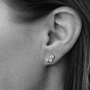 0bed320fe57e89 Jewelry - ✨✨NEW✨Silver Crystal Austrian Bezel Earrings✨